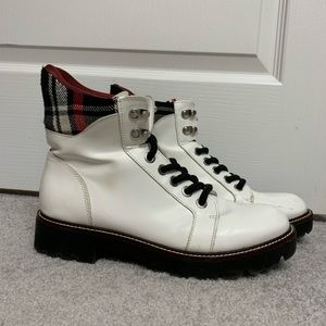 White flannel Tommy Hilfiger boots 8.5 in women